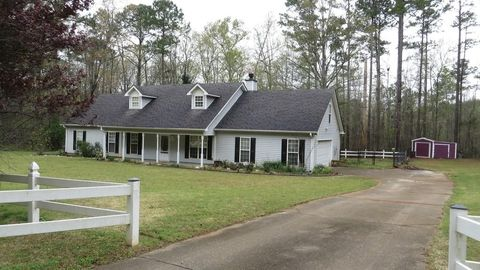 Photo of 1021 New Hope Rd, Locust Grove, GA 30248