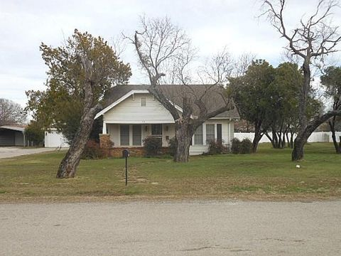 Photo of 510 S Walnut St, Eastland, TX 76448