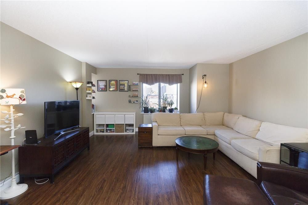 300 W 135th St Apt 5 E, New York, NY 10030