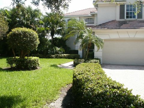 8224 Heritage Club Dr, West Palm Beach, FL 33412