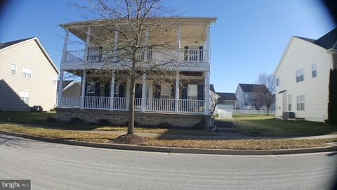 255 Davis St, Charles Town, WV 25414