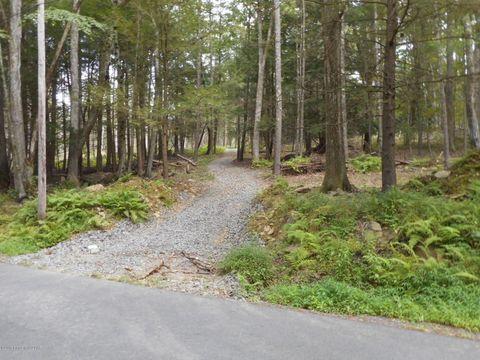 335 Roaring Brook Dr, Hunlock Creek, PA 18621
