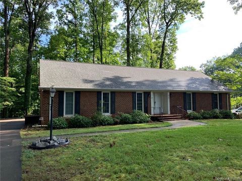 Photo of 962 Hampton Pl, Mooresville, NC 28115