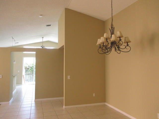 7530 Kingsley Ct, Lake Worth, FL 33467