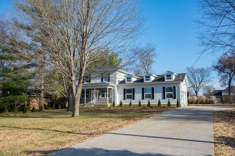 Photo of 1405 Blue Vale Way, Louisville, KY 40222