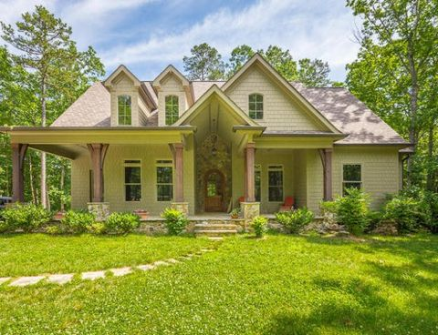 Delightful 3355 Clear Brooks Dr, Signal Mountain, TN 37377