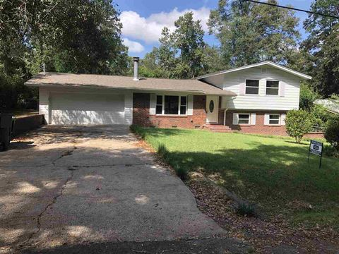 Photo of 1110 Pinecrest Dr, Tallahassee, FL 32301