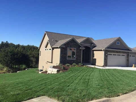 Photo of 2802 Cedarsprings Ln, Wamego, KS 66547