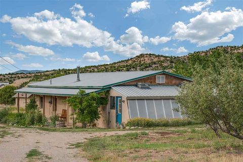 46 Private Dr # 1310, Ojo Sarco, NM 87521