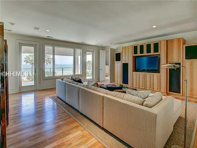 hilton head island single guys Every one of our more than 300 luxury hilton head island oceanfront and oceanside vacation rentals has been hand-picked by our  a golf outing with the guys,.
