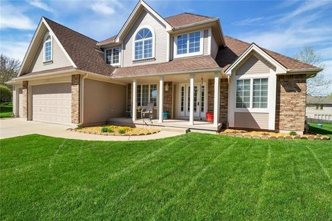 Photo of 1557 Parkside Dr, Liberty, MO 64068
