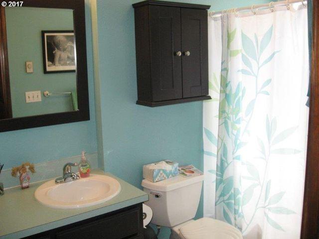 Bathroom Fixtures Eugene Oregon 2380 harvard dr, eugene, or 97405 - realtor®