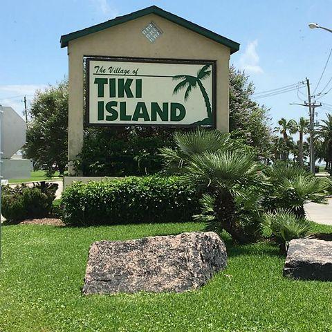 Long Reach Rd, Tiki Island, TX 77554