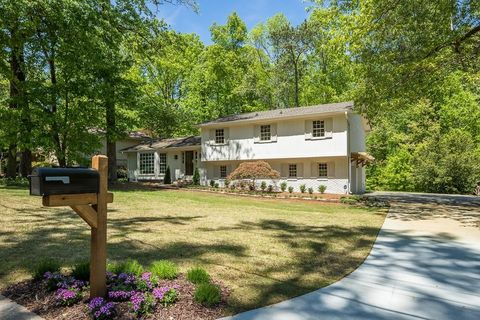 Photo of 5366 Seaton Dr, Dunwoody, GA 30338