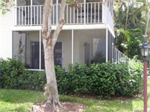 Photo of 200 Palm Dr Apt 7, Naples, FL 34112