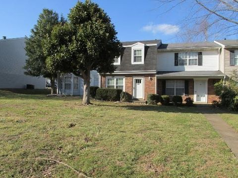 132 Pebble Ct, Bowling Green, KY 42101