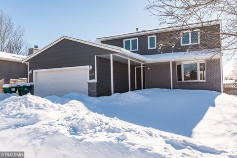 Photo of 6127 Fairway Dr Nw, Rochester, MN 55901