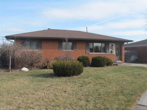 40456 Colony Dr, Sterling Heights, MI 48313