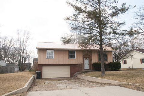 Photo of 423 Jay St, Topeka, IN 46571