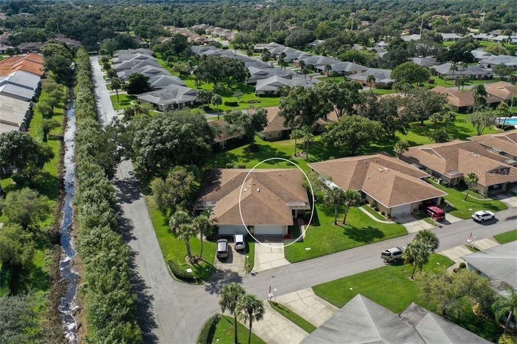 4238 Center Gate Ln Unit 15 Sarasota, FL 34233