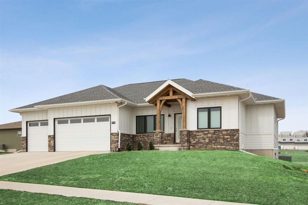 4058 Grindstone Dr Iowa City, IA 52240