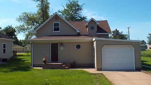 404 Charger Ave, Hayti, SD 57241