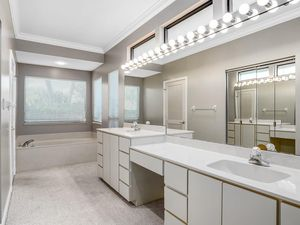 1300 Spanish Lace Ln Vero Beach Fl 32963 Bathroom