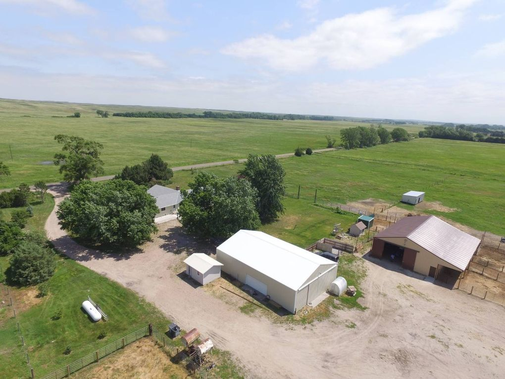 18182 W North River Rd, Hershey, NE 69143