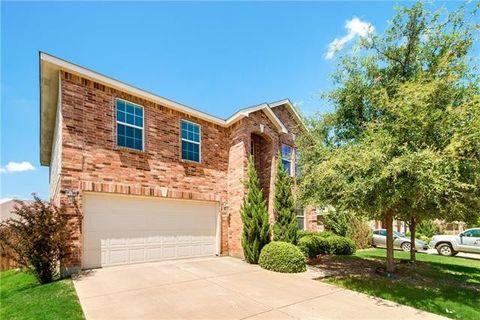 4621 Pangolin Dr, Fort Worth, TX 76244