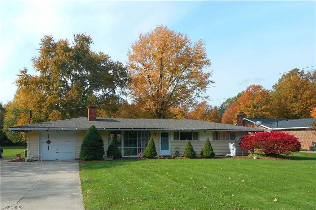 2982 Som Center Rd Willoughby Hills, OH 44094