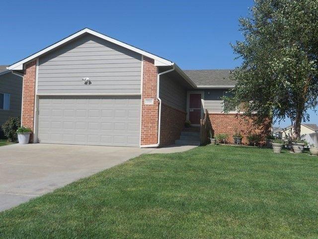 2211 S Rogers Ln Wichita, KS 67235