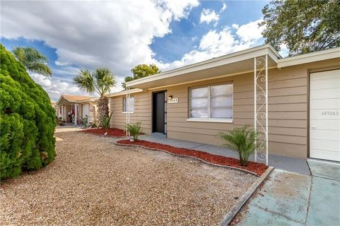 3248 Beacon Square Dr, Holiday, FL 34691
