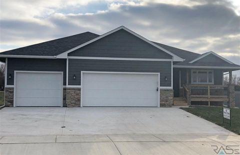 9105 W Kingfisher Cir, Sioux Falls, SD 57107