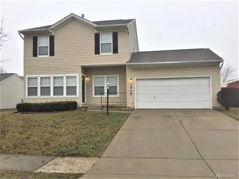Photo of 1215 Sunset Dr, Englewood, OH 45322