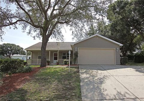 Photo of 704 Murray Cir, The Villages, FL 32159