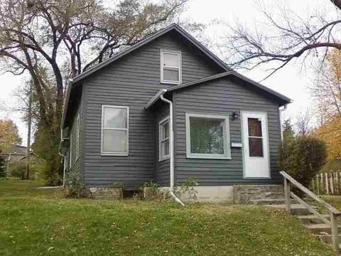 Photo of 827 Maggard St, Iowa City, IA 52240