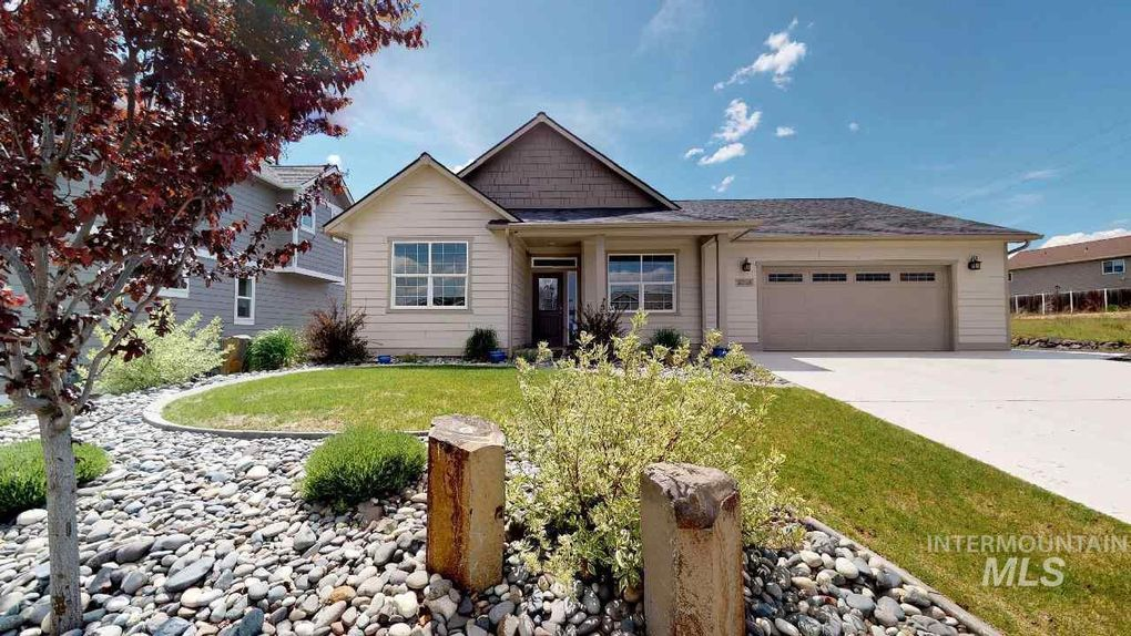 2015 Itani Dr, Moscow, ID 83843