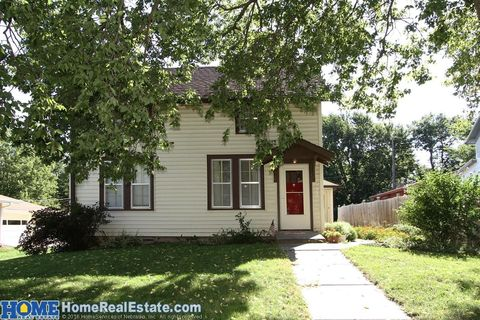 322 N 9th St, Seward, NE 68434