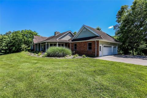 2688 W View Ln, Washington, MO 63090