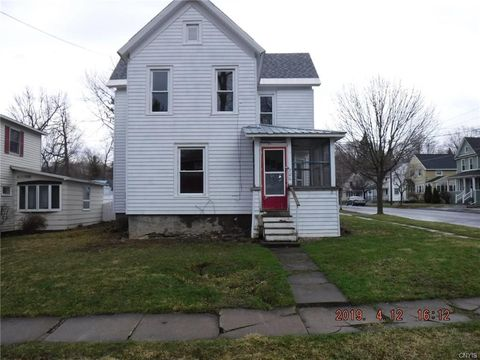 Photo of 700 Lansing St, Watertown, NY 13601