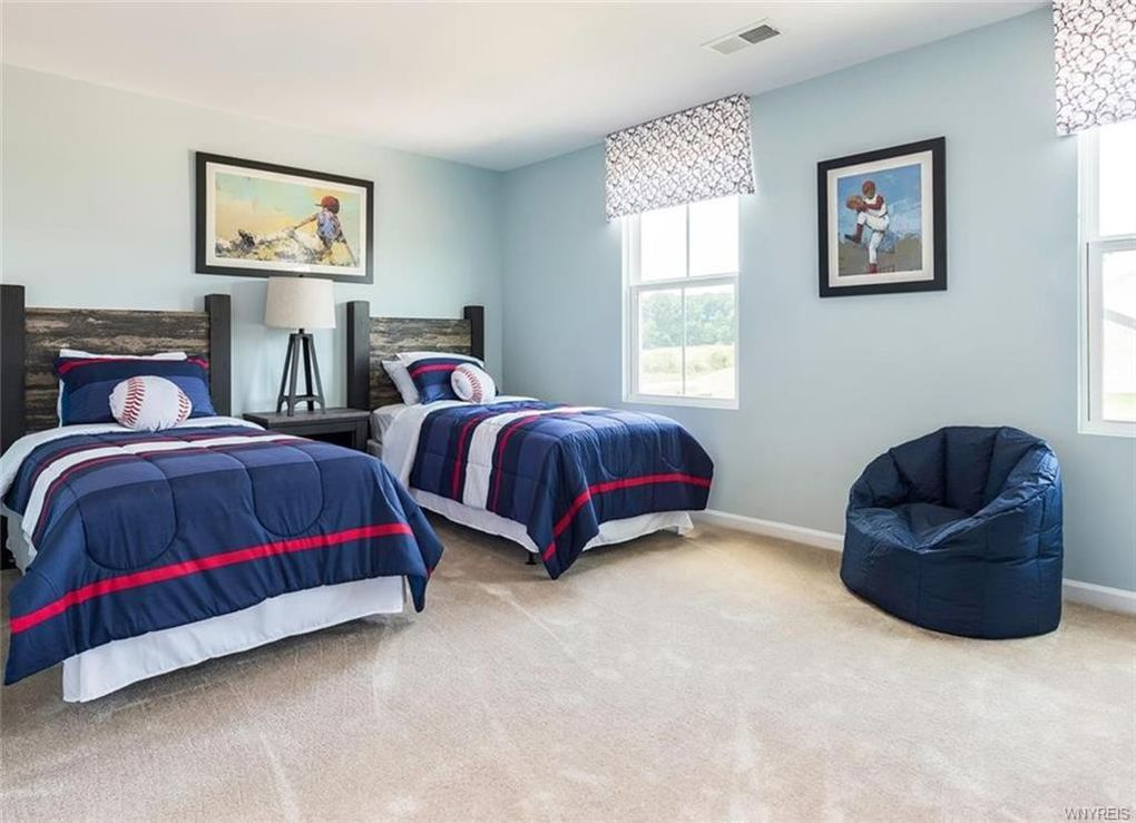 5158 Laurel Oak Way, Batavia, NY 14020