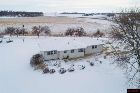 38735 S State Highway 112, Le Sueur, MN 56058