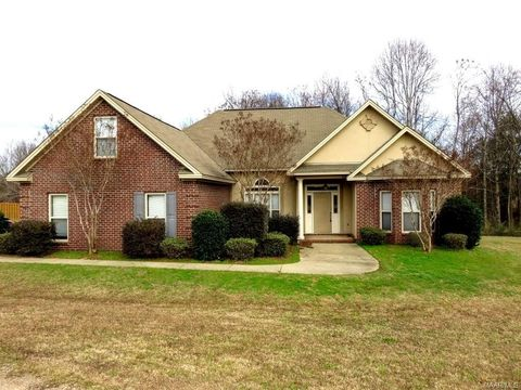 35 Sundown Ct, Deatsville, AL 36022