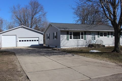 Photo Of 22 Lincoln Dr Palo Ia 52324 Single Family Home