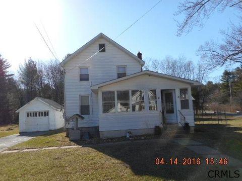 369 W Maple St, Corinth, NY 12822