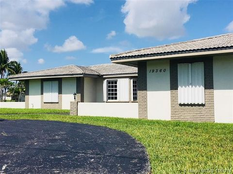 Miami, FL Houses for Sale with Swimming Pool - realtor.com®