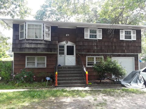 Mastic Ny Houses For Sale With Swimming Pool Realtor Com