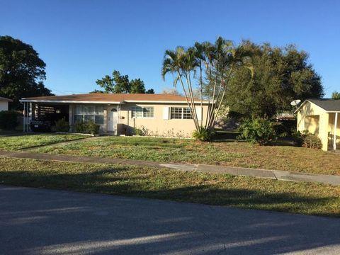 631 Evergreen Dr, Lake Park, FL 33403