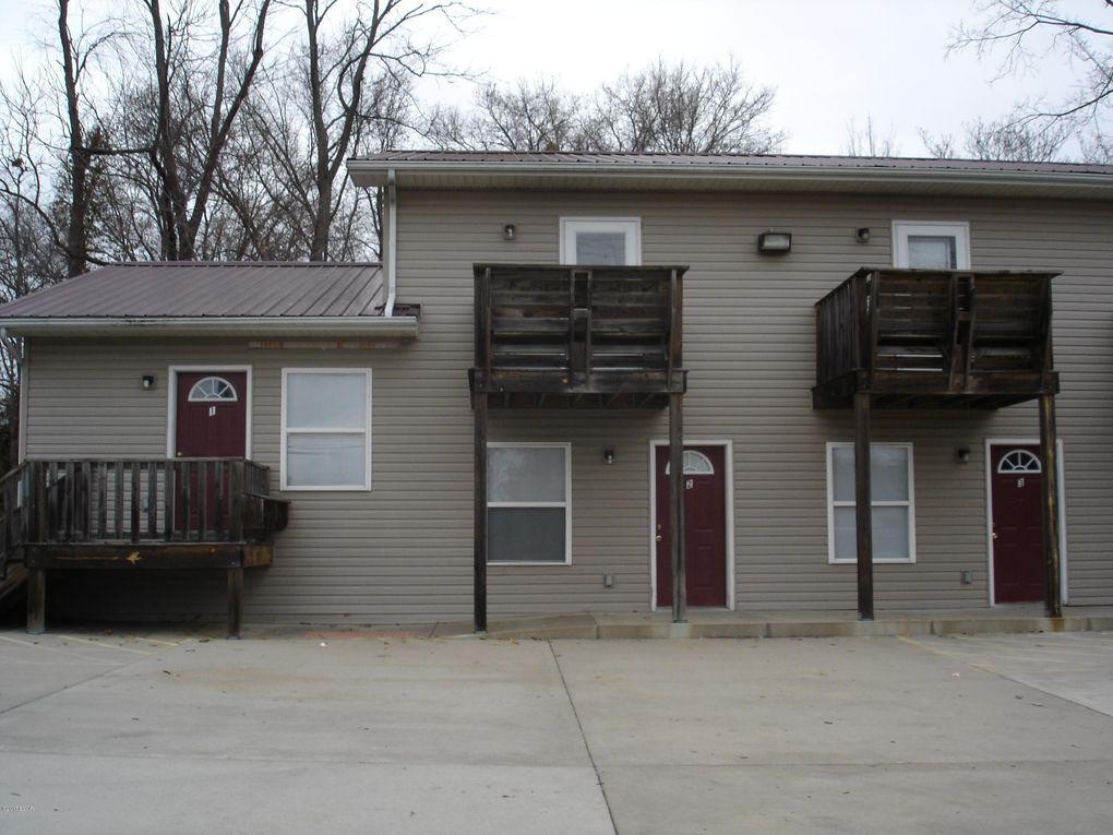 310 E College St Carbondale, IL 62901