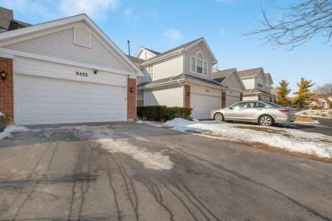 Photo of 5452 Ridge Xing, Hanover Park, IL 60133